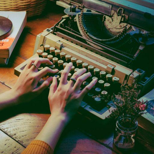 Estelle Charles L'écrimousine Ecrivain public